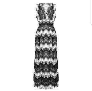 Women's beautiful summer dress new size Medium